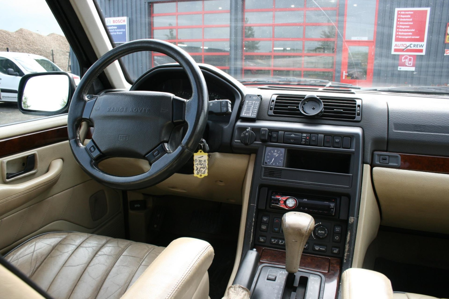 Land Rover-Range Rover-17