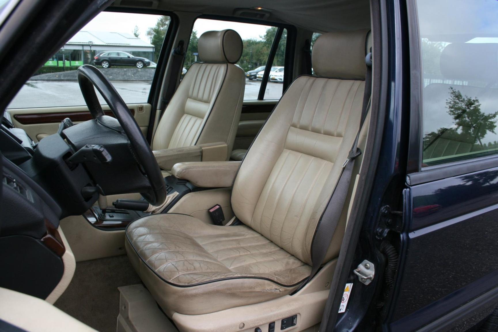 Land Rover-Range Rover-11
